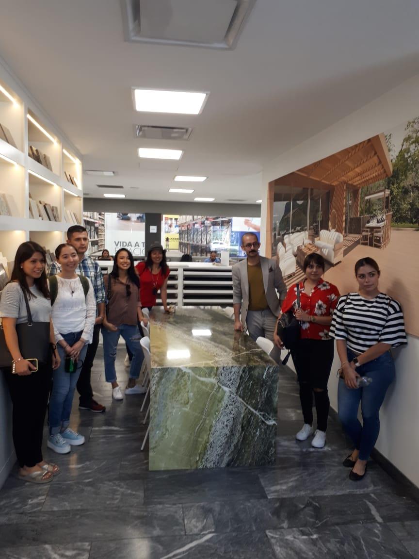 Visita al Outlet de Grupo Tenerife