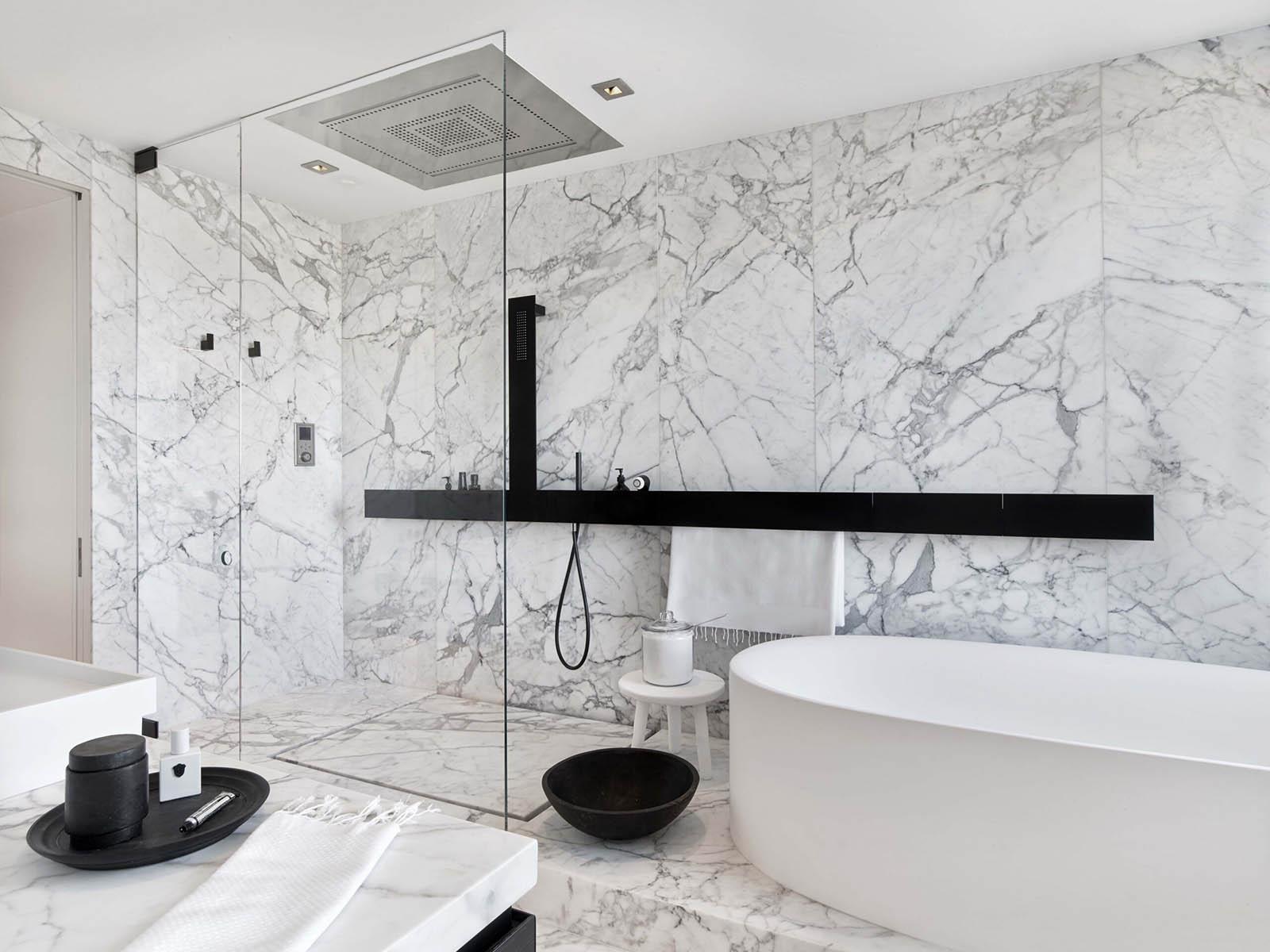 Baños modernos de inspiración natural