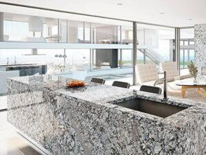 granito gris en casa de lujo